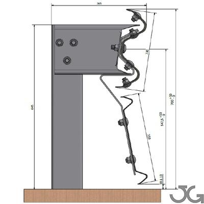 Barrera bionda  metálica de contención normal diseñada para su instalación en los márgenes de las carreteras. Compuesta por una bionda, poste tubular de 120 de 1,5m de altura cada 4m con separador estándar, conector, tornillería y captafaro cada 8m.