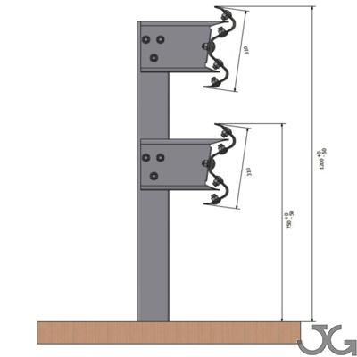 Barrera bionda metálica simple superpuesta de alta contención adecuada para garantizar la seguridad frente a los obstáculos especialmente peligrosos en los márgenes de las carreteras. Compuesta por una bionda, poste CPN de 120x55x4mm de 2m de altura cada