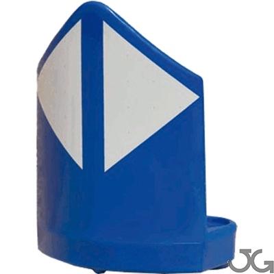 Balizas divergentes monopieza N120 120cm, azul o verde, fabricada en polietileno de alta densidad de una sola pieza. Reflectante H.II, fabricado en aluminio microprismático. Se fija al suelo mediante 3 tornillos (incluidos). Hito de vértice para balizamie