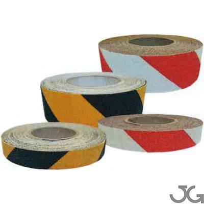 Cinta antideslizante roja / blanca  y amarilla/negra con base autoadhesiva adecuada para la aplicación en superficies lisas. Disponibles en medidas de 50mm x 18m y 25mm x 18m