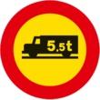 TR-107 Entrada prohibida a vehículos destinados al transporte de mercancías con mayor masa autorizada que la indicada