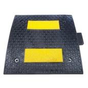 Reductores de velocidad Modelo JG  Reductor de velocidad de caucho. 50x50cm alturas 3 y 5cm